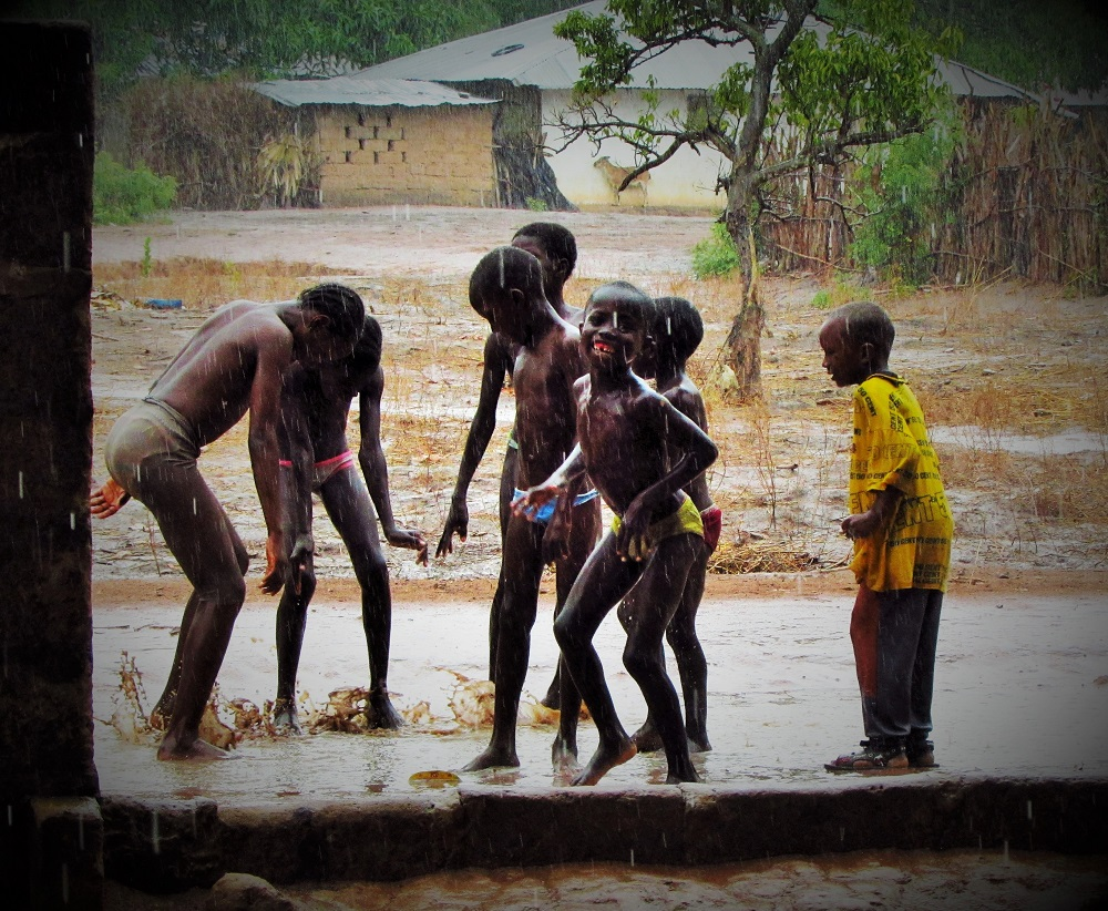 070815_Sibanor_Kids_Rain (5)